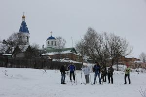 9 февраля приходская молодежь провела приходской лыжный забег